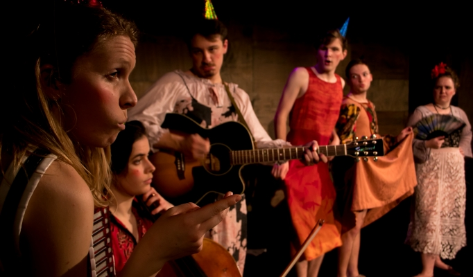 The Cabinet of Madame Fanny Du Thé Production Image 4