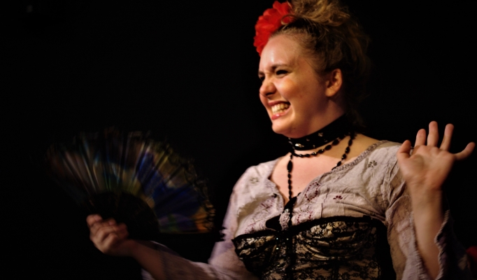 The Cabinet of Madame Fanny Du Thé Production Image 6